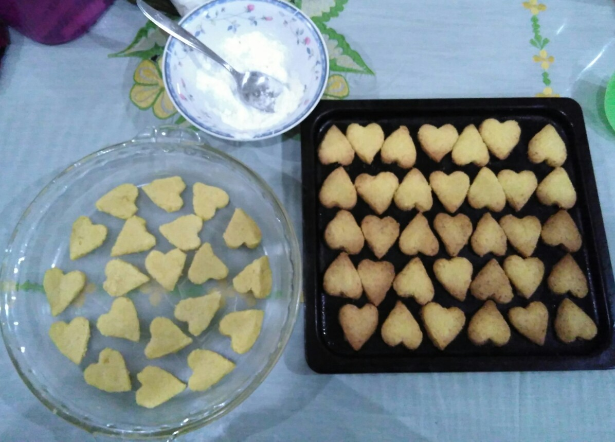 Holiday Project #2: Baking Lebaran Cookies | The Sun is ...